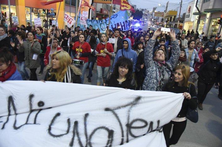 La marcha contra la violencia de género terminará en Prefectura