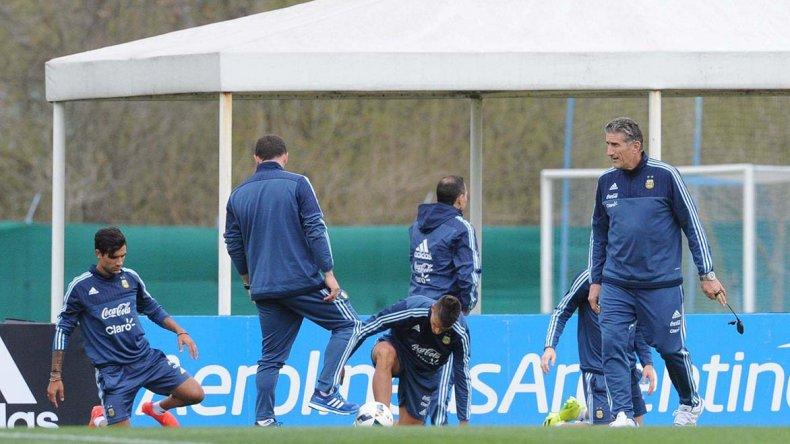 Edgardo Bauza comenzó ayer su ciclo como entrenador de la selección argentina de fútbol.