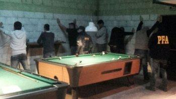La Policía Federal ejecutó los allanamientos el fin de semana en dos locales nocturnos de Las Heras.