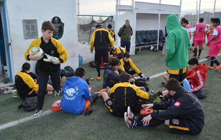 Los chicos de Rada Tilly que se encuentran participando en la Instancia Provincial de los Juegos Evita.