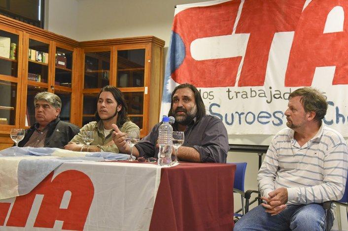 José Rigane y Roberto Baradel en la conferencia de ayer.