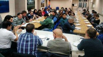 El lunes por la noche la CGT Saúl Ubaldini realizó un plenario en el Sindicato de Petroleros Jerárquicos, donde se planteó la reunificación y reordenamiento de la organización.