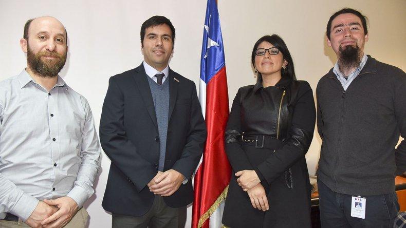 Autoridades de Relaciones Exteriores y de Instituto de Estadísticas de Chile se encuentran en Comodoro Rivadavia para relevar las condiciones de vida de sus compatriotas.