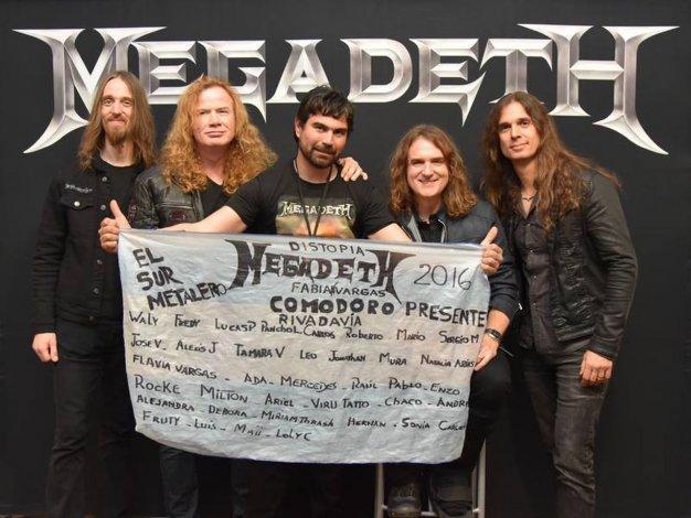 El fan herido de Comodoro disfrutó del show de Megadeth en el Luna Park