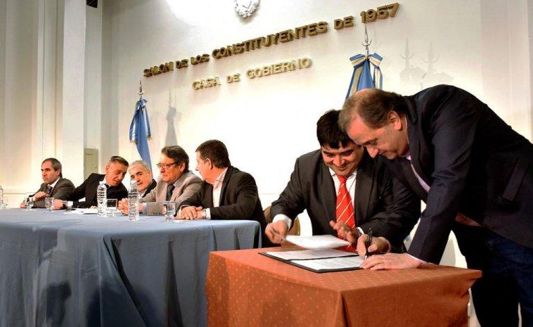 Carlos Linares: las obras las van a manejar los municipios