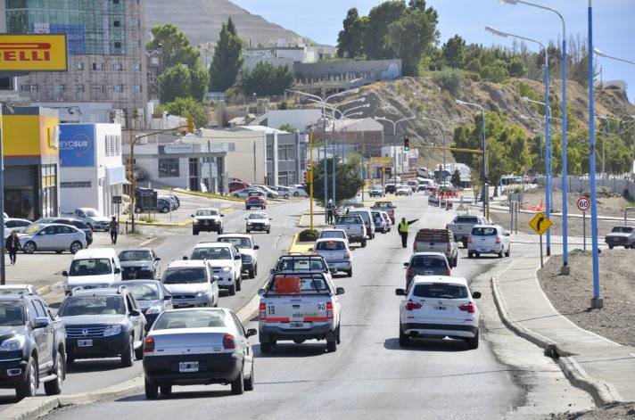 Las denuncias sobre vehículos de la industria del petróleo son enviadas a los responsables de seguridad de cada compañía.