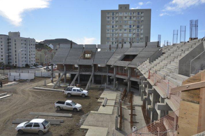 Los proyectos que reactivarían la mano de obra en la construcción no se ponen en marcha por falta de decisión política en el gobierno de Macri.