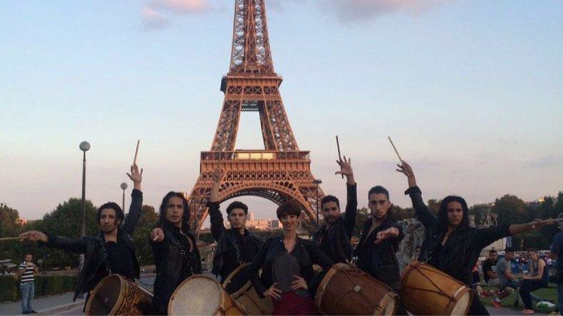 Malevo llevó su brillo y baile hasta la Torre Eiffel