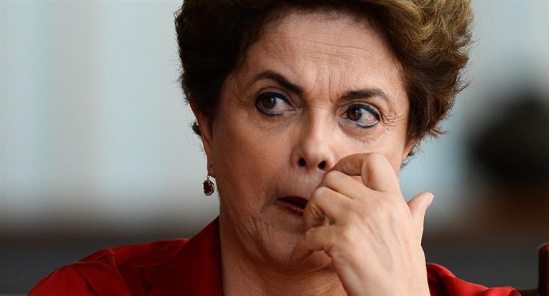 Rousseff avanza en una medida judicial para retrotaer el conflicto a sus inicios.