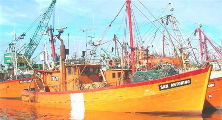 El hundimiento de la nave pesquera dejó también dos desaparecidos.
