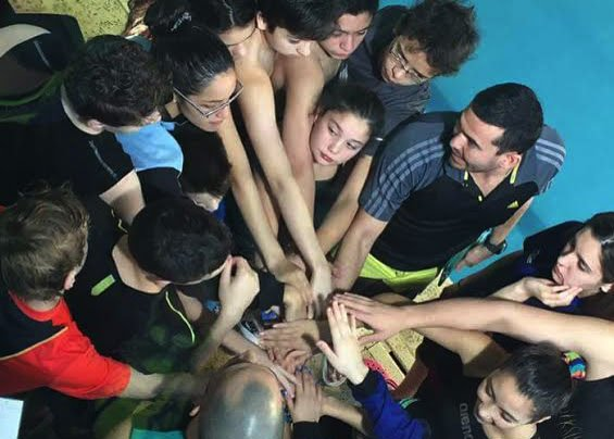 Los chicos de Huergo que compitieron el último fin de semana en una nueva fecha del Circuito Provincial de natación.