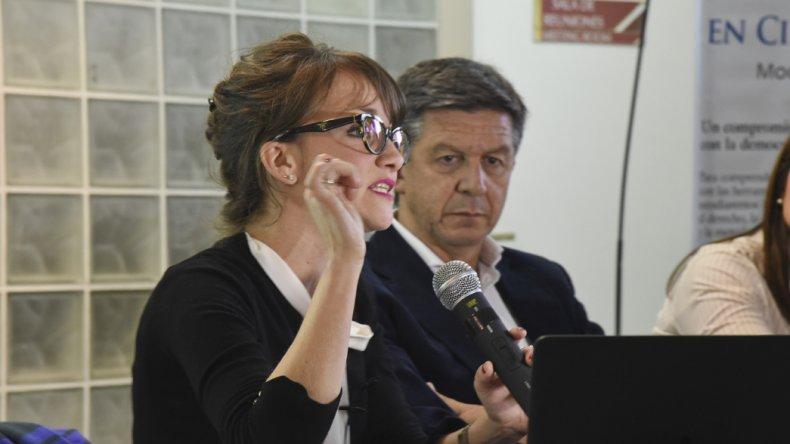 La investigadora Natalia del Cogliano participó del primer panel con el abogado Gustavo Menna y la licenciada Analía Orr.