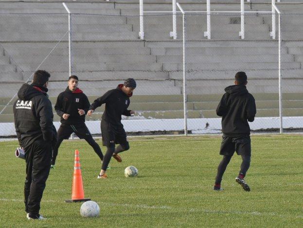 Ameghino utilizó el estadio municipal y está listo para recibir a Camioneros.