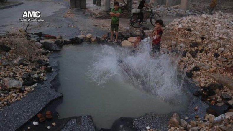 Los bombardeos se han incrementado en la ciudad, lo que ha dejado a dos millones de personas atrapadas entre los combates.