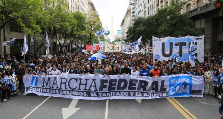 La marcha federal contra el tarifazo, los despidos y el ajuste reúne a una multitud