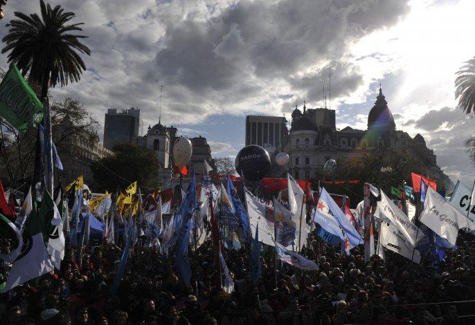 Multitudinaria Marcha Federal: si no escuchan, va a haber paro nacional