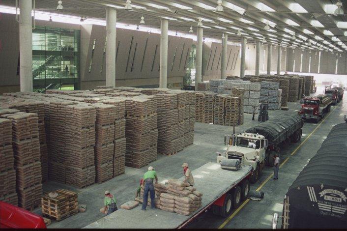 Informan que se vendió más cemento para el mercado interno.