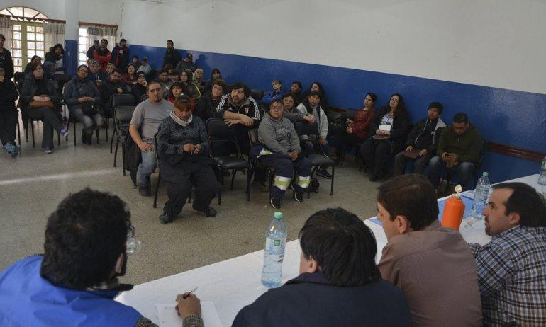 Delegados y miembros de comisión directiva del SOEMCO mantendrán un nuevo encuentro con los ediles para buscar una posible solución a los conflictos.
