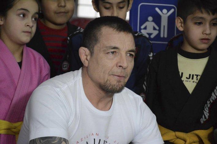 El maestro chileno Mauricio Ulloa es el director general de las Academias de la Riva.