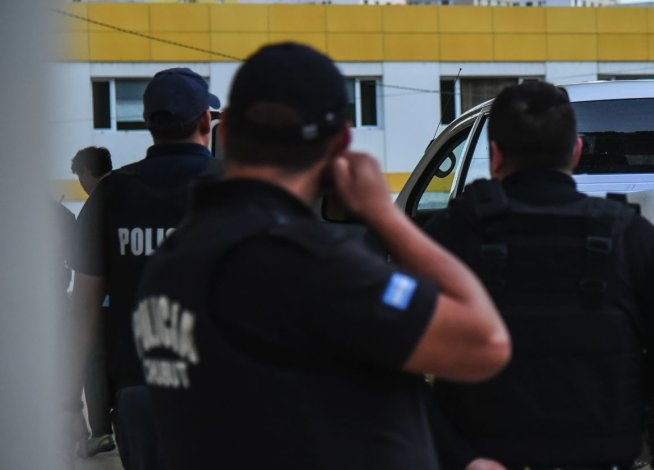 Los presuntos autores del ataque a la policía que fue baleada ya recuperaron la libertad
