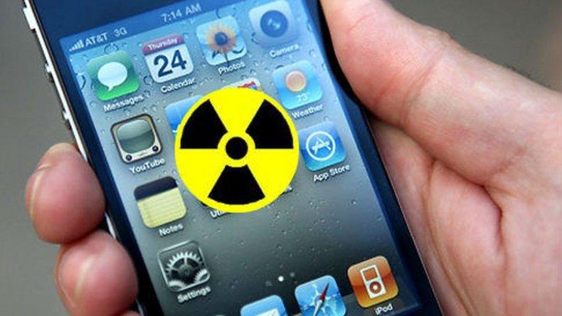 Ingeniero argentino diseña funda para celulares que impide el paso de la radiación