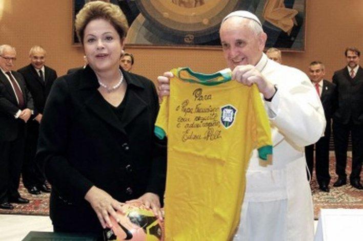 Francisco pidió rezar por el pueblo brasileño