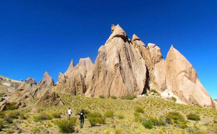 El apasionante recorrido además hace de mirador hacia fascinantes paisajes.