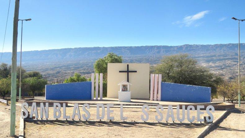San Blas se encuentra a 171 km de distancia de la ciudad de La Rioja.