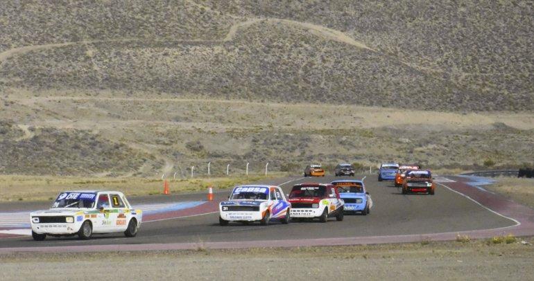 El automovilismo provincial correrá esta tarde la sexta fecha de la temporada en el autódromo Mar y Valle.