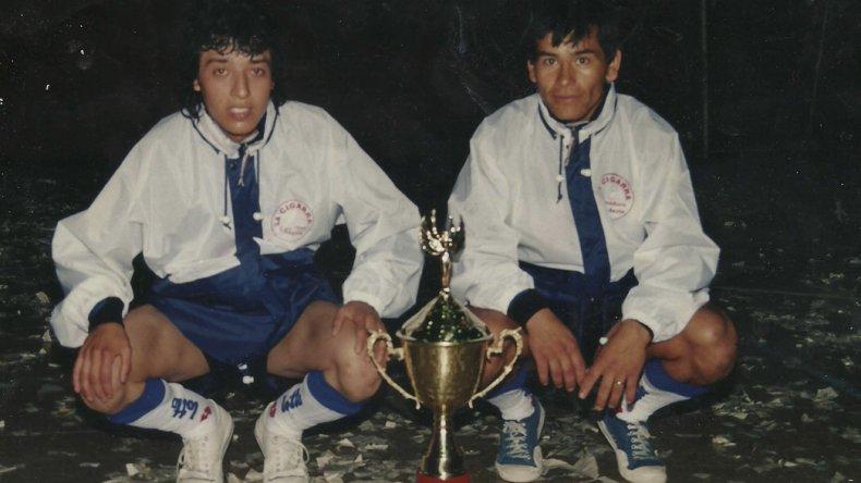 El placer de compartir un campeonato con su primo Raúl.