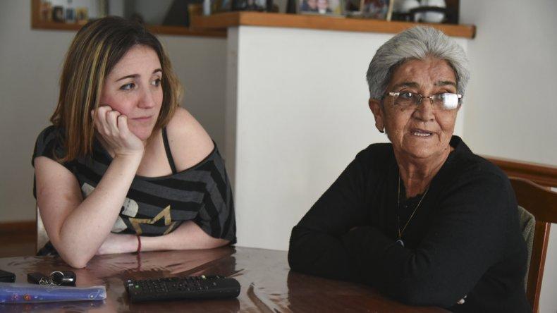 Josefa Moreno junto a Carolina Gayá