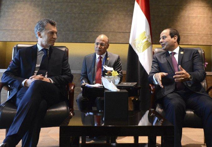 Mauricio Macri junto a Abdel Fattah Al Sisi.