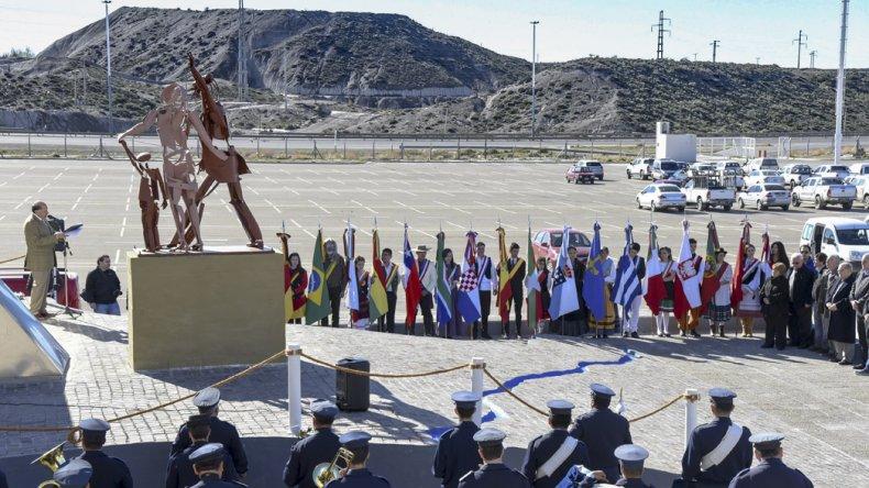 La Federación de las Colectividades Extranjeras conmemoró ayer el Día del Inmigrante Pionero Patagónico.