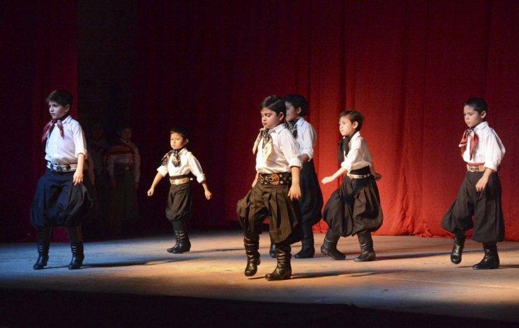 Niños, jóvenes y adultos danzaron en el festival anual del CEMEPA