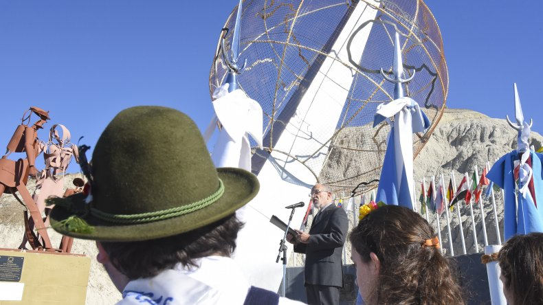 Comodoro reconoció a los Inmigrantes Pioneros. Foto: Martín Pérez / El Patagónico.