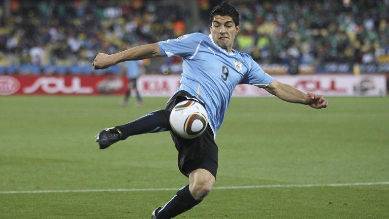 Luis Suárez estuvo muy bien marcado el último jueves por el argentino Ramiro Funes Mori.