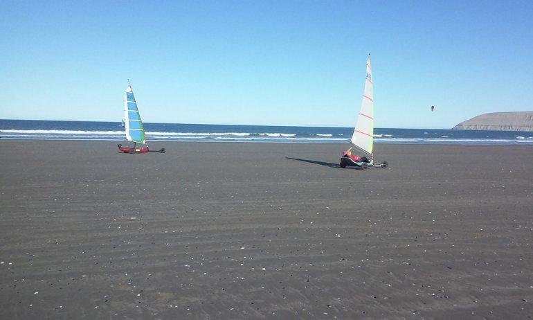 Con marea y viento a favor la Asociación Patagónica de Carrovelismo puso en marcha el certamen primavera/verano.