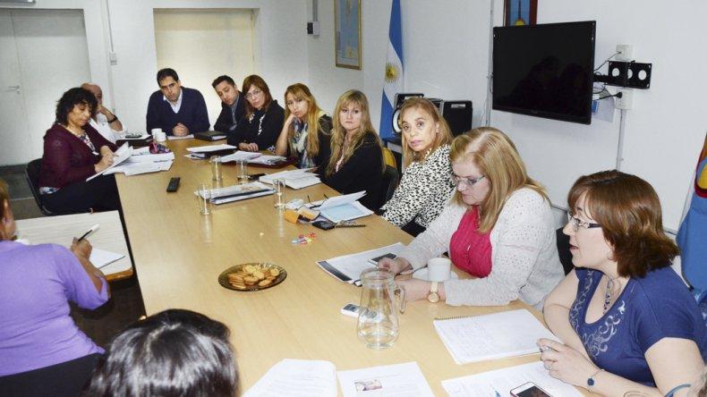 La mesa de trabajo que se desarrolló ayer en el Concejo Deliberante.