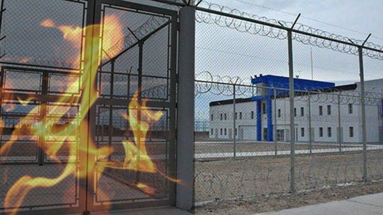 Comodorense preso en Madryn quemó su celda para que lo regresen a la ciudad