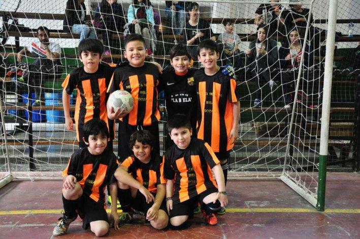 El conjunto de La Biela jugó frente a Petroquímica y con Municipal Laprida en la categoría 2007.