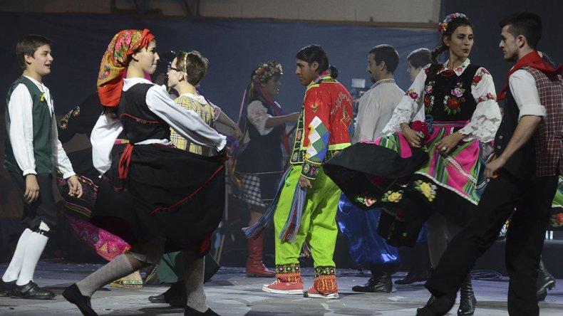 Las Colectividades Extranjeras inauguran  esta noche su esperada Feria Gastronómica