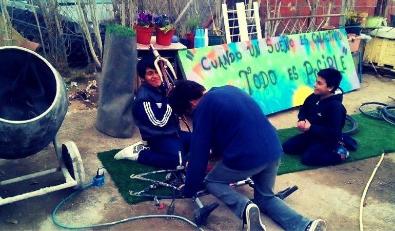 Abrieron un taller para cumplir un sueño sobre ruedas