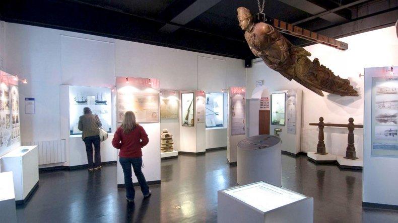 Uno de los objetos más impactantes es el mascarón del Duchess of Albany que adorna la primera sala.