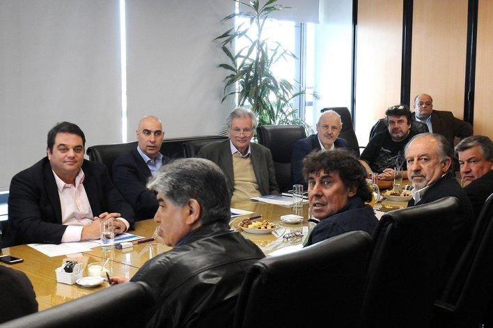 El ministro de Trabajo Jorge Triaca recibió a las cúpulas de las dos CTA.