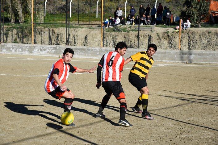 General Roca es uno de los líderes del torneo Final B del fútbol de Comodoro Rivadavia.