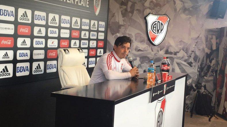 Marcelo Gallardo durante la rueda de prensa de ayer con miras al partido de mañana ante Talleres de Córdoba.