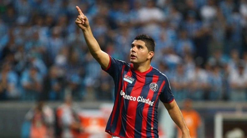 Néstor Ortigoza estará como doble cinco esta tarde cuando San Lorenzo visite a Defensa.