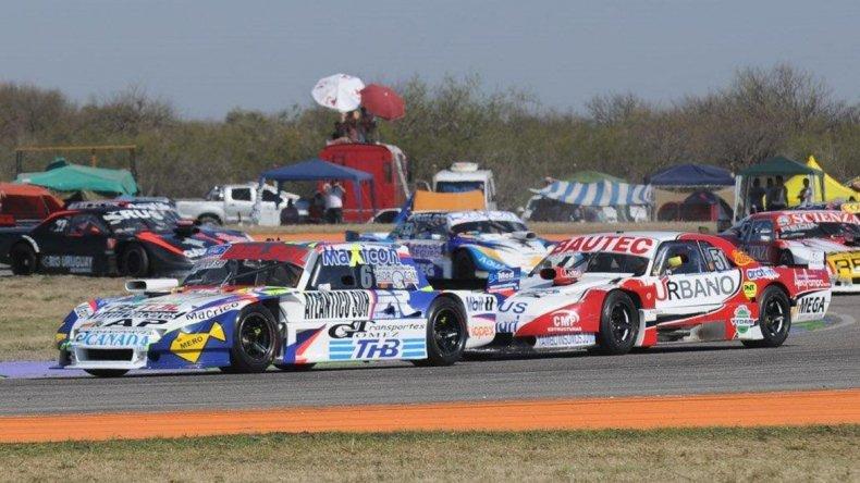 El piloto comodorense Marcelo Agrelo sumó puntos importantes en la Copa de Plata del TC Pista.