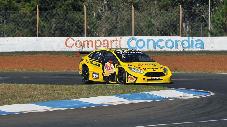El Ford Focus de Juan Angel Rosso que ayer se quedó con el triunfo en la octava fecha del TC2000.