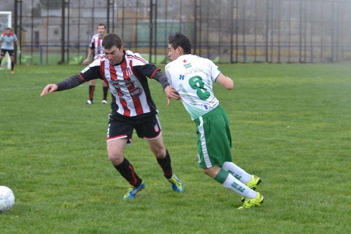 Florentino Ameghino se volvió sin nada de Caleta Olivia al perder por 1-0 ante Estrella Norte.